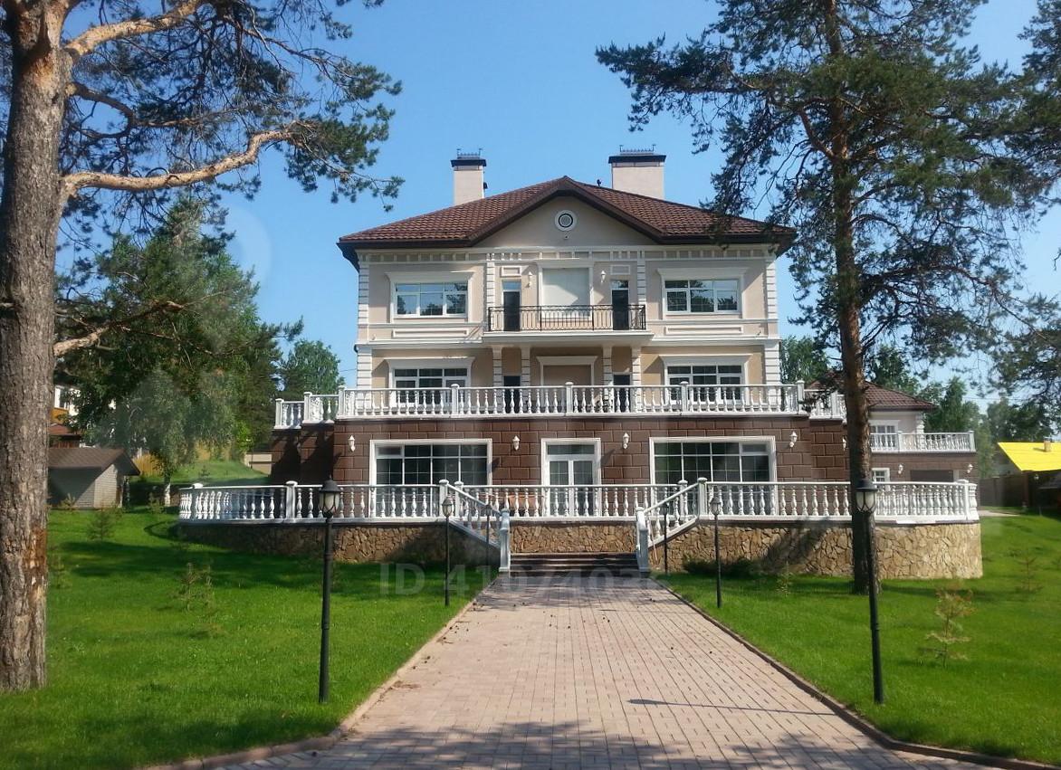 Скромный особняк за 120 миллионов рублей
