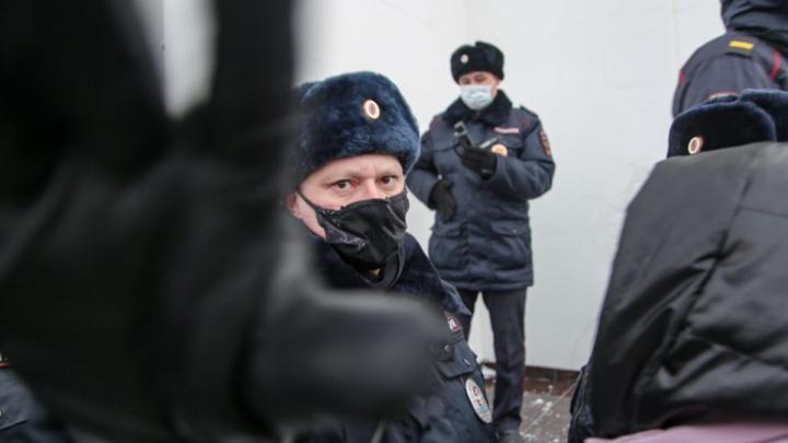 «Нет у нас общественного контроля»: зачем России закон о засекречивании данных силовиков