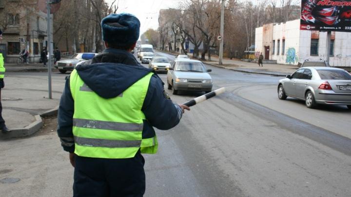 В Новокузнецке бывшего сотрудника ГИБДД оштрафовали на 1,4млнрублей. Он брал взятки за грузоперевозки