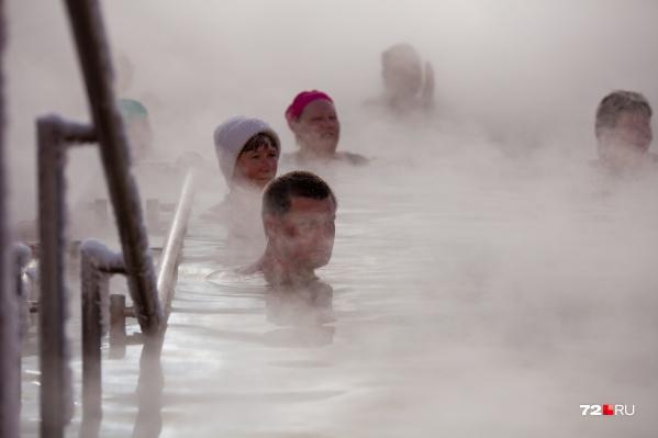 Температура воды в термах от 34 до 45 градусов, купаться можно круглый год, а зимой даже комфортнее, чем летом. Всего в регионе больше 20 действующих термальных источников