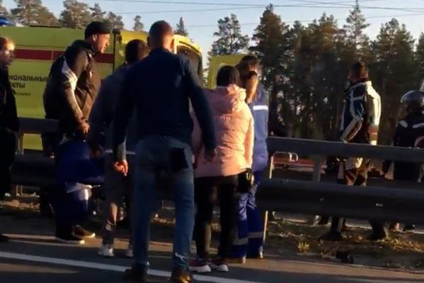 Очевидцы бросились на помощь к пострадавшему