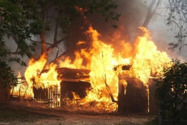 За последние два дня в Екатеринбурге и окрестностях случились десятки больших и маленьких пожаров