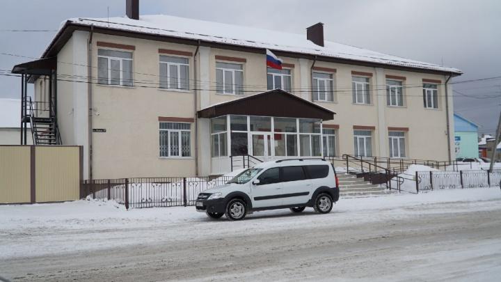 Школьнику из Октябрьского предъявили обвинение в тройном убийстве и арестовали его