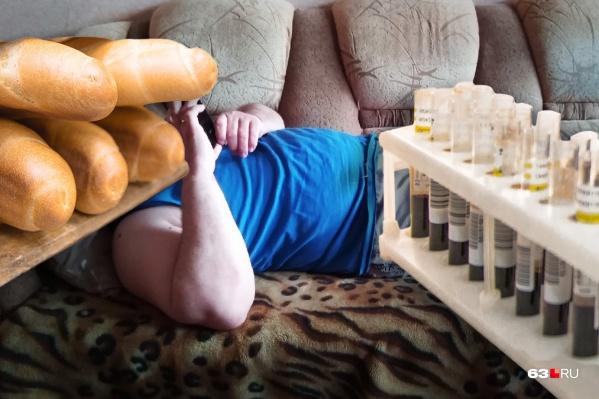 У ожирения может быть несколько причин, но чаще всего это неправильный образ жизни