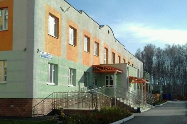 Семья претендовала на садик, который находится рядом с их домом — на улице Хариса Юсупова