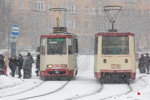 Ребенка высадили из трамвая из-за того, что у него не оказалось денег на транспортной карте