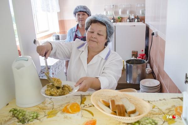 Пациентов в больницах Сургута будут кормить новыми блюдами