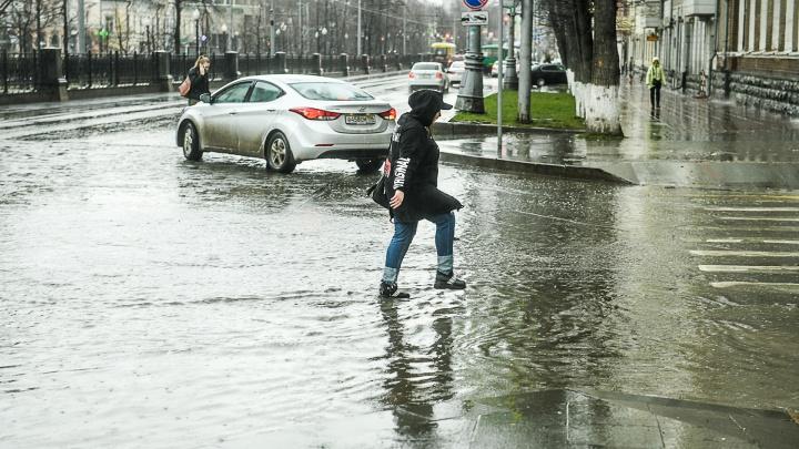 Грязи будет по колено: когда на Урале установится тепло и растает снег