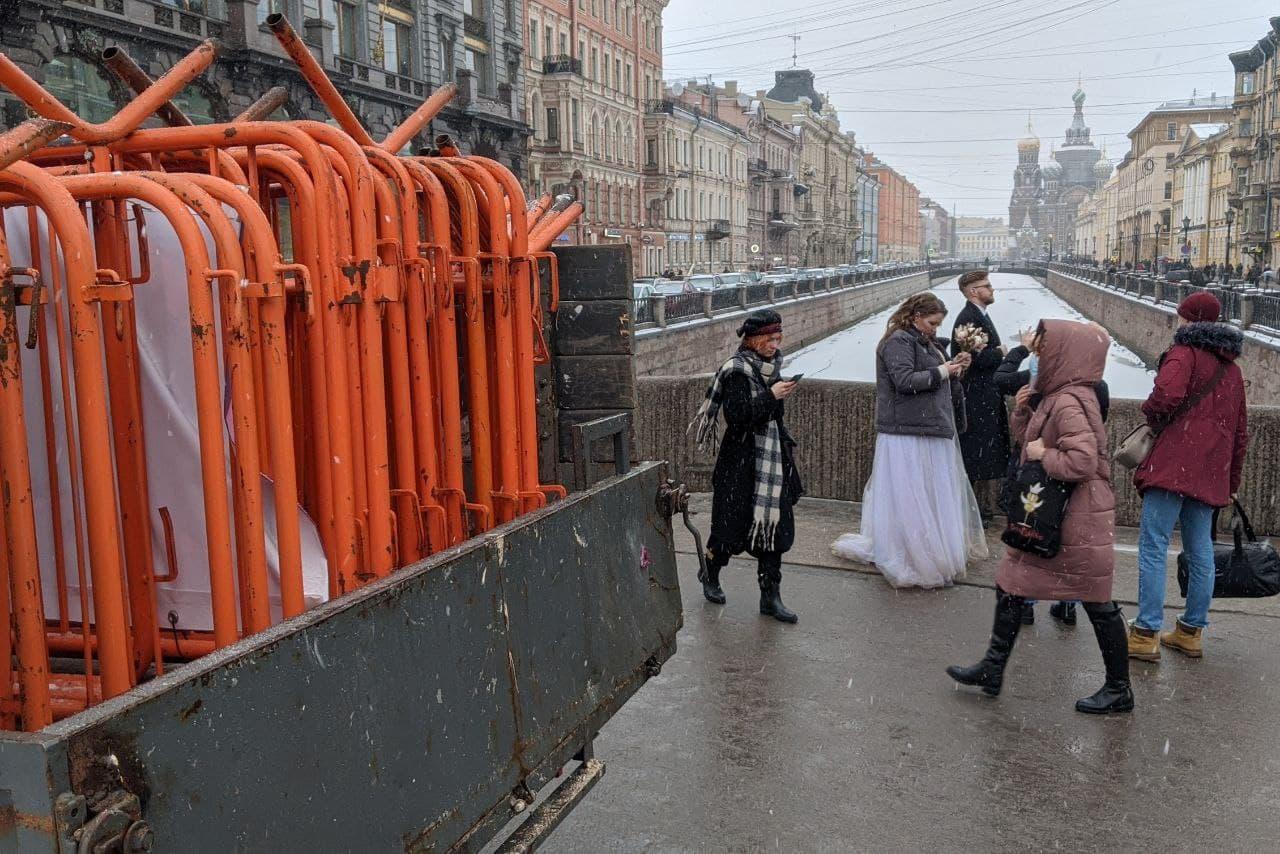 Невский проспект, перекресток с набережной канала Грибоедова<br><br>автор фото Павел Каравашкин / «Фонтанка.ру»