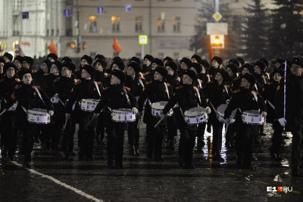 Военные пойдут колоннами по центральным улицам Екатеринбурга