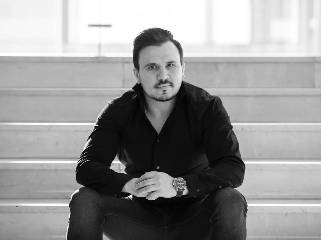 Вячеслав Васильев, баритон