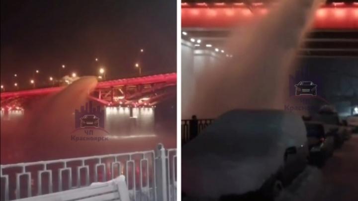 Сбросившего в Енисей с Николаевского моста грязный снег подрядчика оштрафовали на большую сумму