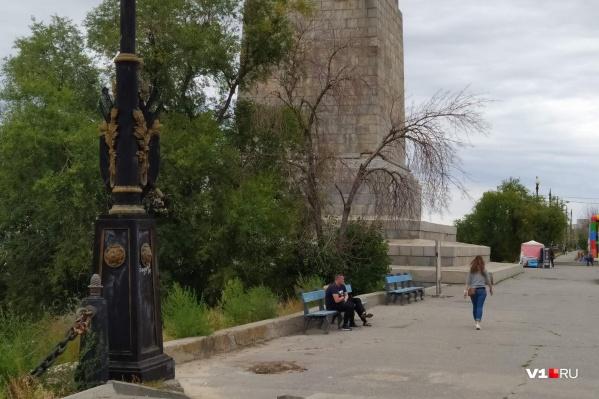 Вот так выглядит набережная у монумента Ленину