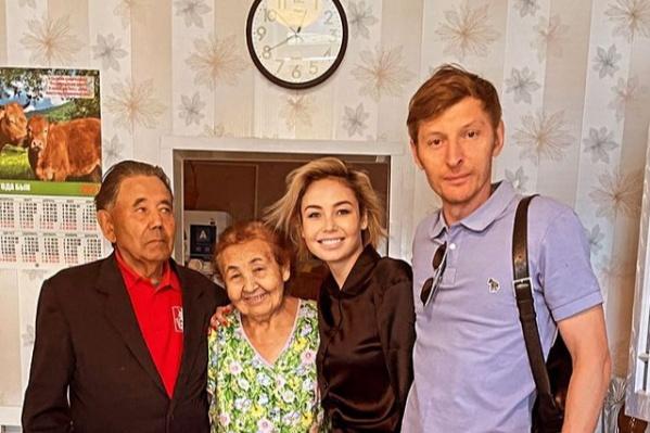 В Раевке у телеведущей живут бабушка с дедушкой