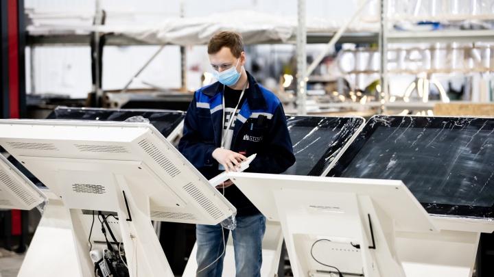 «Мир меняется с появлением технологий»: экскурсия по заводу, где производят умное оборудование
