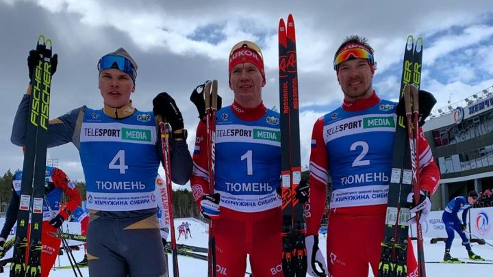Александр Большунов взял две золотые медали на чемпионате России