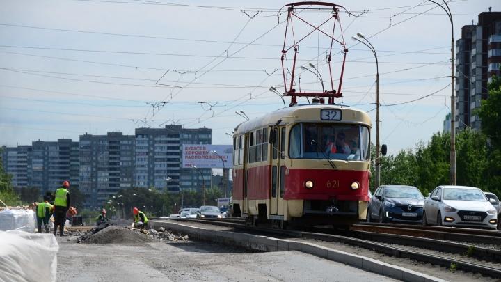 На ЖБИ перестанут ходить трамваи из-за ремонта рельсов