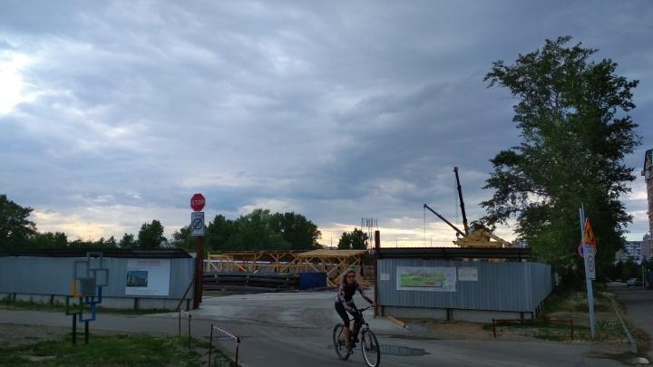 Заказчику строительства гостиницы Cosmos грозит штраф на сумму до 110 тысяч рублей