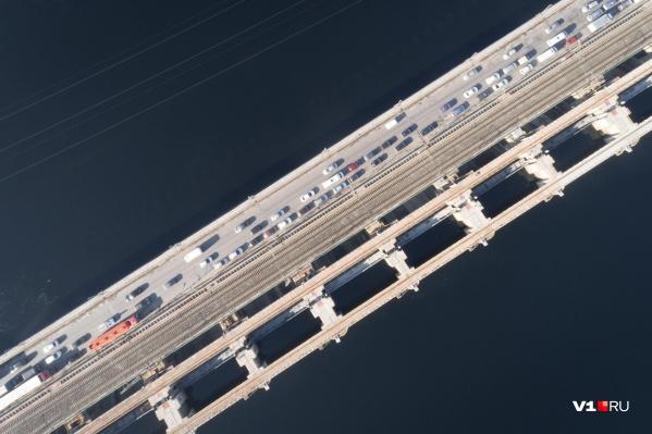 Движение открыли по всем полосам мостового перехода