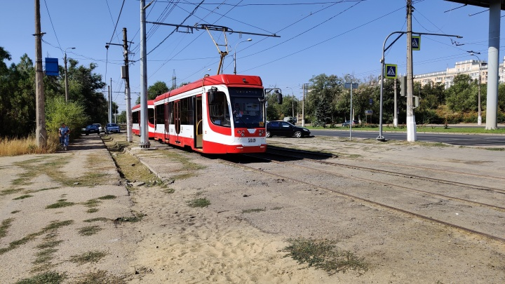 Обошлись без перерезания ленточек: в Волгограде запустили движение по недоделанной линии скоростного трамвая