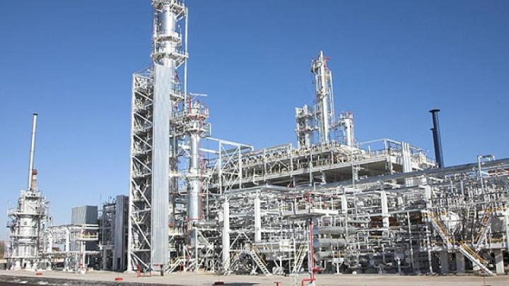 Заводоуправление Ачинского НПЗ эвакуировали после сообщений об утечке газа