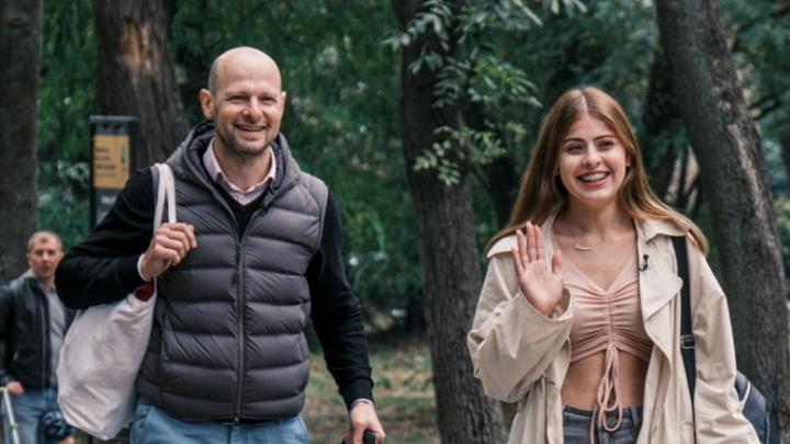 Школьница из Екатеринбурга на всю страну назвала папу нищебродом. Интервью с ее отцом
