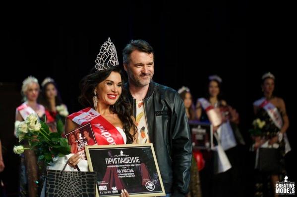 """Победительница в категории <nobr class=""""_"""">25–35 лет</nobr>Полина Жданова"""