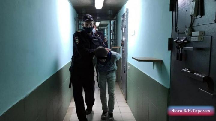 В Екатеринбурге суд отправил в колонию телефонного террориста, который «минировал» Храм на Крови