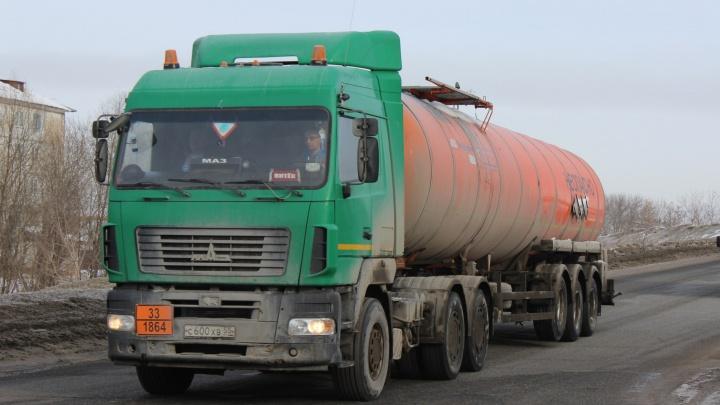В Омской области для большегрузов закроют четыре трассы, чтобы сохранить дороги