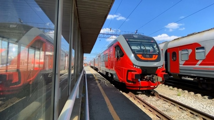 В Екатеринбурге запускают дополнительные электрички в Кольцово