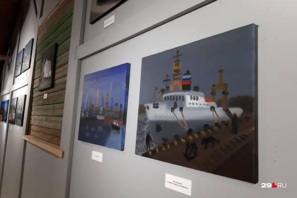 Александр Флоренский работает в жанре примитивизма — вот и архангельские корабли на его полотнах появились наивными и милыми