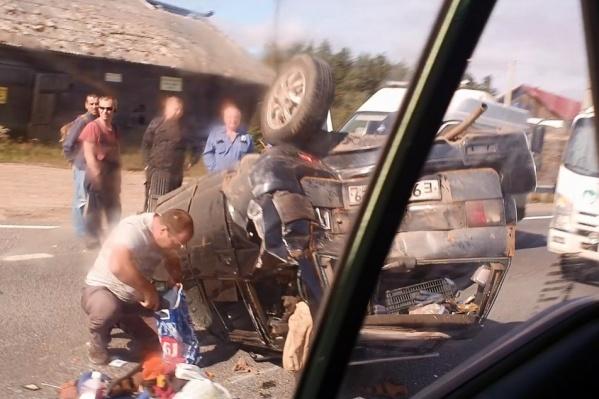 Проезжавшие возле места аварии говорят, что в ДТП нет погибших