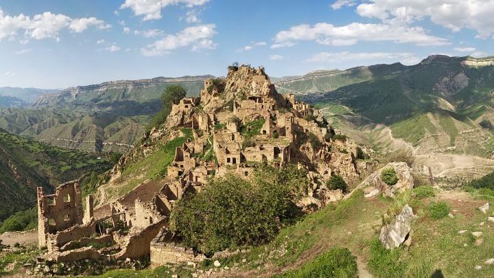Неделя за рулем: как проехать Северный Кавказ на арендованном авто