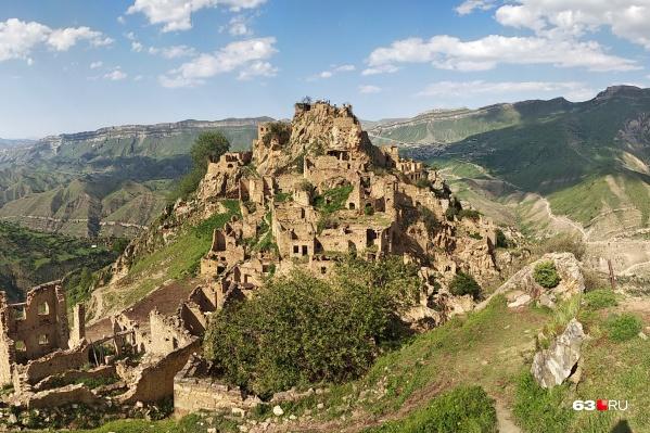 Северный Кавказ славится горными пейзажами и историческими постройками