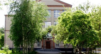 В Екатеринбурге семиклассника избили около гимназии