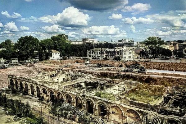 Когда-то на месте Гостиного двора были руины