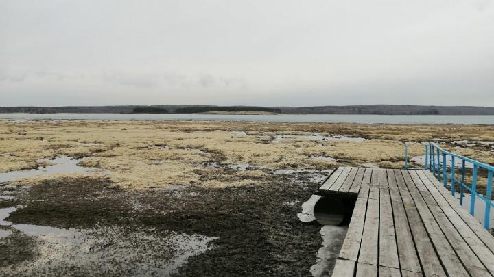 Активисты обеспокоены обмелением двух озер в Башкирии. Они утверждают, что УГОК берет пресную воду для своих нужд