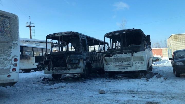 Ночью в Кстово сгорели два пазика
