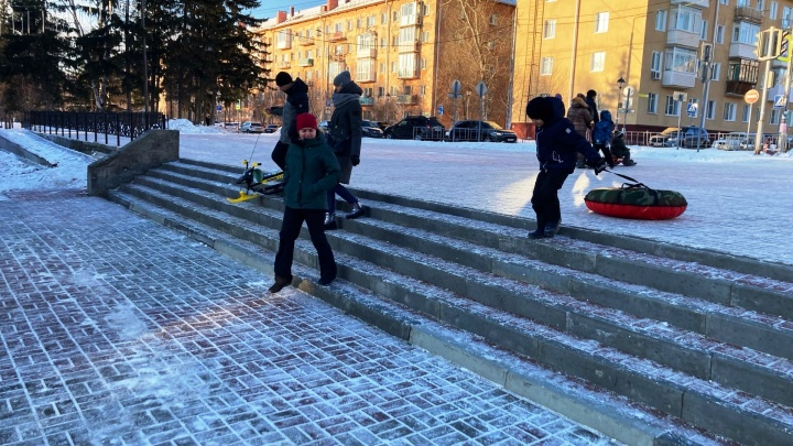 На входе в Советский парк установили пандус без перил