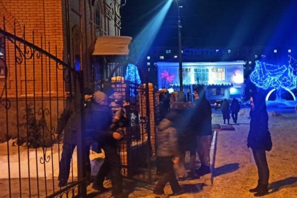 Жители Кургана рассказали о грубом поведении со стороны работников храма в Рябково