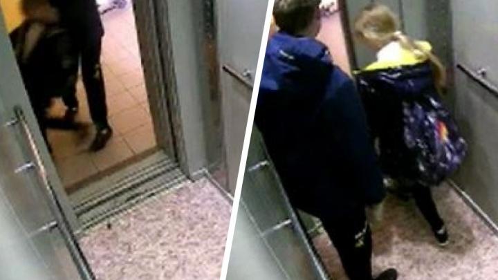 В Новосибирске подросток напал на ребенка, с которым ехал в лифте
