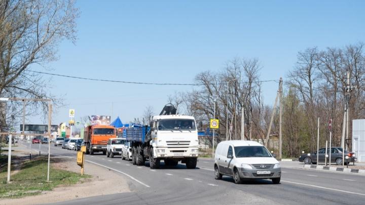 Из-за строительства кольцевой развязки в Ростове исчезла «зебра» на опасной дороге