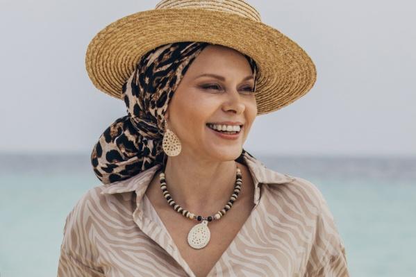 В 30 лет Яна Троянова только пришла работать в театр, а сейчас — одна из самых известных актрис в стране