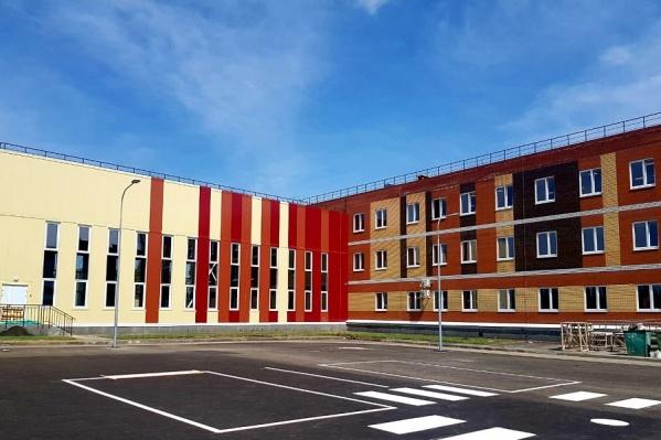 1 сентября во дворе новой школы пройдет торжественная линейка