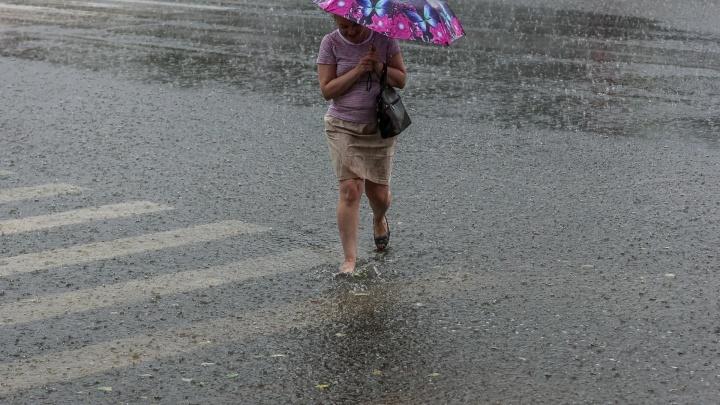 На Красноярск надвигаются грозы с ливнем и ураганным ветром