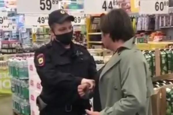 За нарушение масочного режима сургутянке присудили штраф