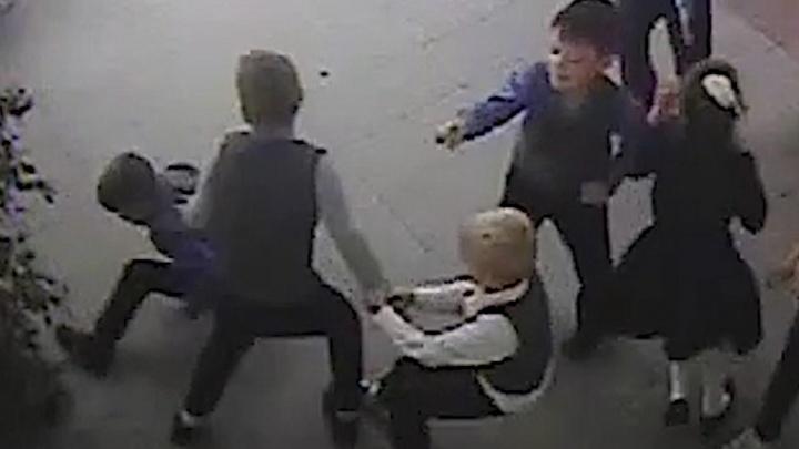 Сибирячка сообщила, что ее сына избили в школе № 1 — полиция и Минобр начали проверки