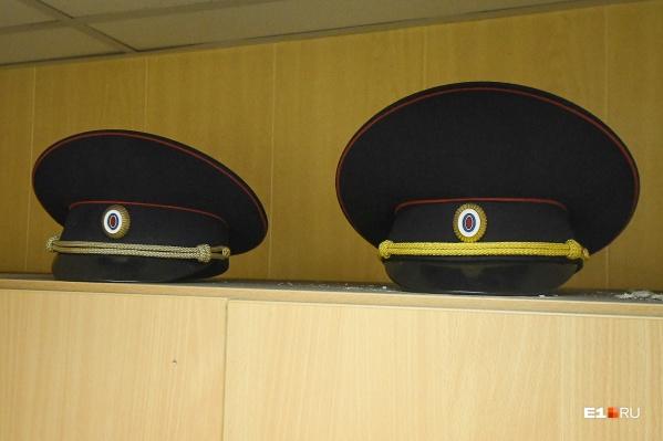 В отделе полиции <nobr>№ 17</nobr>&nbsp;еще двое сотрудников стали жертвой охоты на ведьм