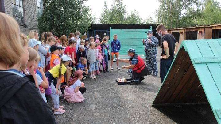 «Гуляли ночью без родителей». Свердловские полицейские задержали свыше 200 подростков