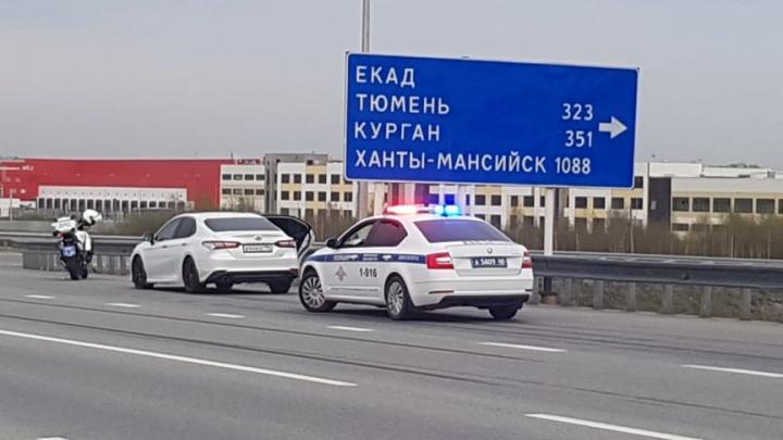 Стреляли по колесам: публикуем видео полицейской погони на Кольцовском тракте